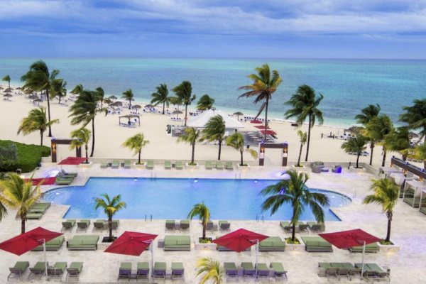 Photo of the all inclusive resort's pool at Viva Wyndham Fortuna Beach in the Bahamas