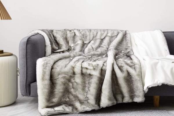 Image of Soft and Warm winter blanket as an idea for last minute Valentines gifts for her